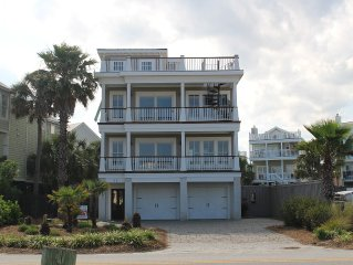 6 Bedrooms-Across From the Ocean Downtown Isle of Palms