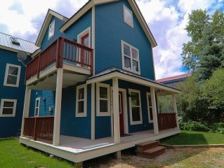 Remodeled 3Br in Town. Quiet street with great views. Close to ski shuttle.