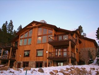 Amazing Breckenridge Mountain Home, Incredible Views, Hot Tub, Fire Pit, Shuttle
