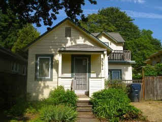 Comfortable Remodeled 1910 Cottage- Easy Access to Everything