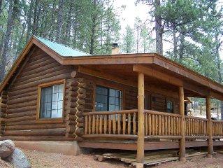 'Lincoln Log' Romantic Lakefront Log Cabin