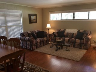 Great Location! Central to Everything! A&M, Kyle Field, Restaurants, Shopping