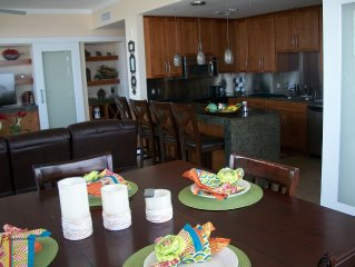60% OFF FIVE STAR LARGEST LUXURY UNIT / 30-90 RENTAL-2/2 CONDO $63 PER NIGHT .