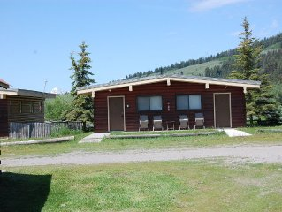 2 Bdrm/1 Bath Cabin With Full Kitchen and Amazing Teton Views