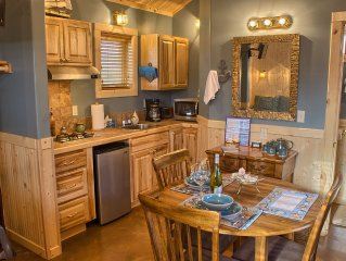 Storm Haven - Elegant Cabin Especially for Couples