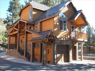 Luxurious, Upscale, Immaculate Home - Next to the Mammoth Village; 3 BR + Loft