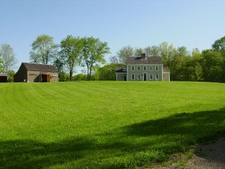 Gracious Country Estate With Pool In Beautiful Stonington, Ct