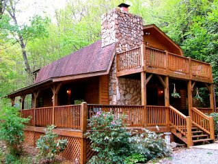 6 Secluded Acres/Hot Tub/Pool Table/FirePit/Wood Fireplace/Hammock/Pets OK