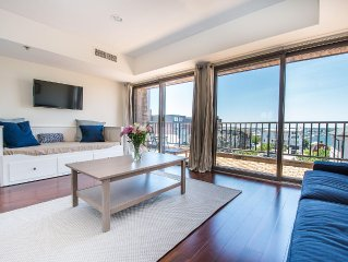 Luxury Newport Harbor Condo with Stunning Waterfront View
