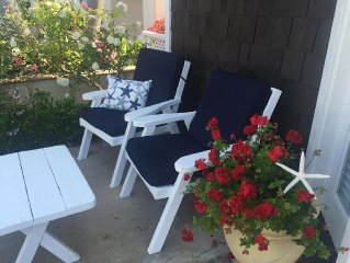 Balboa Island Cottage Steps To Bay, Remodeled With Fireplace And Beach Deco