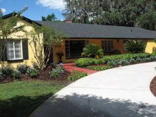 A beautiful pool side apartment in a wonderful old Winter Park neighborhood.