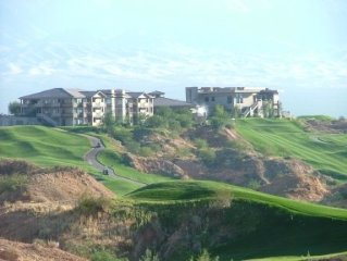 Spectacular Condo Overlooking Wolf Creek Golf Course