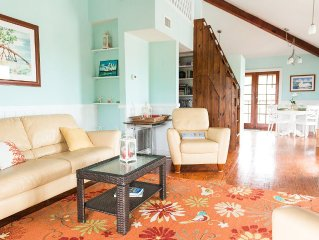 Beach Cottage: Secluded, Waterfront, Kayaks Included, Private Access to Beach