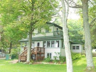 Craftsman Cottage On Hamlin Lake