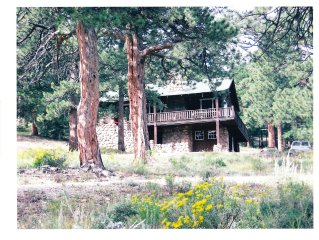 Estes Park Cabin, Sleeps 11, on YMCA of the Rockies conference grnds, mtn view