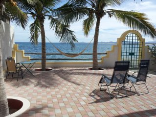 Casa del Sol--Location Location! Beachfront/Walking Distance to Everything!