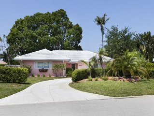 Cozy 3BD Cottage in Great Park Shore Location!