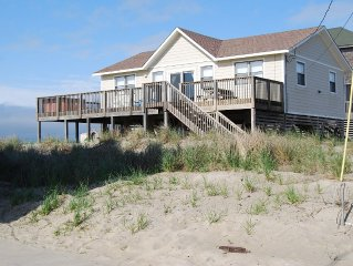 10% OFF ALREADY LOWERED RATES! 4 BR, 2BA Cottage, Pet-Friendly, Hot Tub,Upgrades
