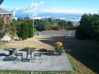 Great Views -Straits, Ediz Hook, Victoria-  Cozy Cottage