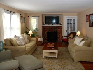 Great Location, Walk To The Best Southold Beach, Town, Close To Vineyards