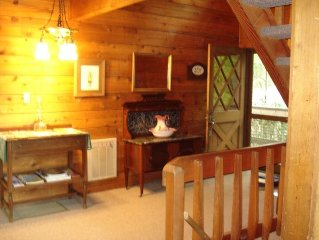 Spacious Rustic Mountain Cabin in Gated Community