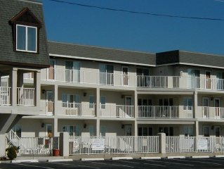 Very Nice 1BR, 3rd Flr Condo W/Ocean View, Heated Pool & Wifi