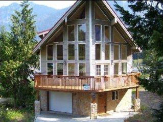 Breathtaking Hyak Home! Free WIFI access!