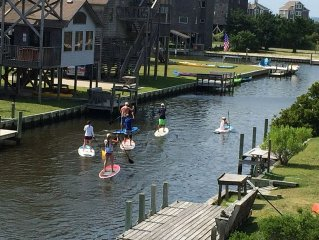 Come And Enjoy The Salt Box Inn, A Canal Front Beach House In Avon