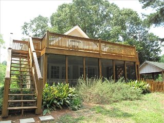 4 BR House on Lake with Private Dock, Behind Gum Branch Mega Ramp.