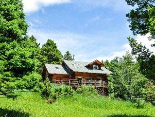 Secluded Mountain Log Home Nearby Historic Downtown Bozeman & Bridger Bowl Ski