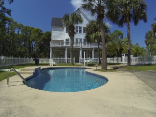 Close To Beach, Private Pool, Pet Friendly, Affordable!