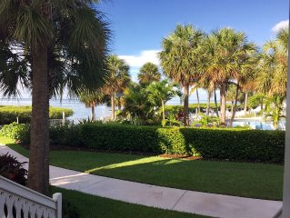 2 Large Bedrooms and 2.5 bath Oceanfront/VIEWS- DOCK INCL Anglers Reef Islamorad