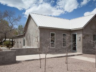 """A """"house As Minimal As Any Work By Judd"""" -says The NYT About This Downtown Adobe"""