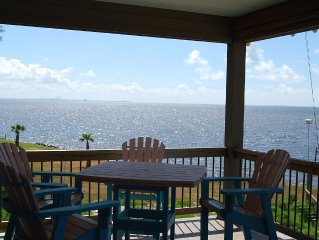 PRIVATE PIER Custom beach front home with awesome views of Horn Island.