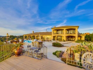 Stunning Hilltop Estate W/ 360 Degree Views And Private Vineyard