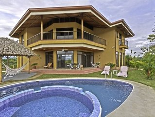 Pacific and Mountain Views of Costa Rica!Home Built in 2010