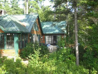 Authentic Maine Experience, Beautiful Renovated Lakefront Lodge