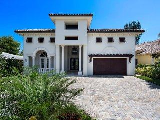 Luxury Naples Florida 4 Bedroom Vacation Home - Flexible Rental Terms