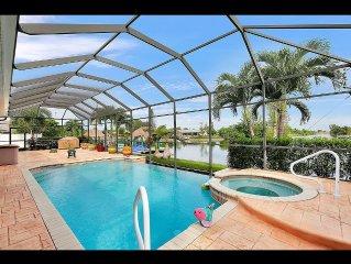 Gorgeous Luxury Villa 3 Bedroom 4 Bath Heated Pool, Tiki Hut On Beautiful Dock