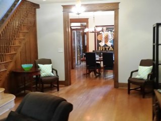 Gorgeous 3 Br/2.5 Bath Capitol Hill Home - 2 Blocks To Capitol