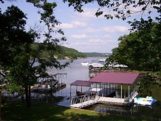 Newer Lake Home - Large Private Dock - Quiet Cove