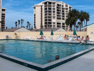 1st Floor Private Gated Oceanfront Resort w/Pools, Golf Course & Many Amenities