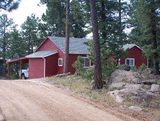 Designer cottage cozy in Winter or Summer for Red Rocks Events