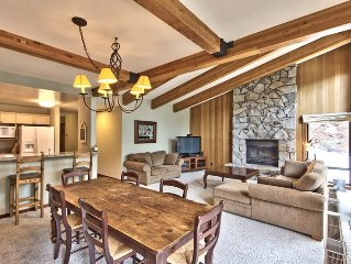 Luxury Townhome In Exclusive Neighborhood - Private Hot Tub In Secluded Setting