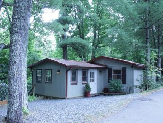 FREE NIGHT (WINTER - Rent 2 Nights, Get 3rd FREE) - Linville Land Harbor