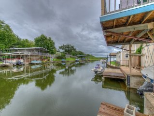 Awesome location on beautiful constant level Lake LBJ!