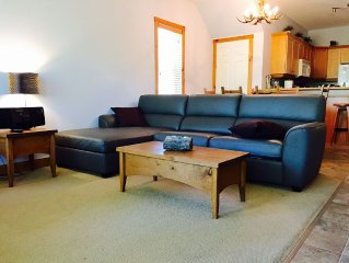 On Hill 2 Bedroom Ski Condo, Private Hot Tub,  Sleeps 6