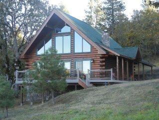 Cozy Log Cabin at Hartland Lake