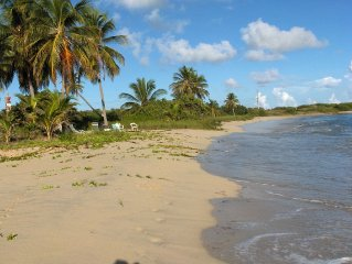 BEAUTIFUL VIEW, LOCATION, BEACHES!! QUIET, TROPICAL SPACE FOR QUIET PEOPLE