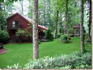 Log Building Suite In The Heart Of Cashiers- Complimentary daily maid service!
